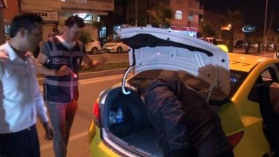 Huzur uygulamasında sahte polis kimliği kullanan bir şahıs yakalandı