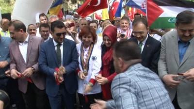 Kemalpaşa Uluslararası Yemek Festivali başladı