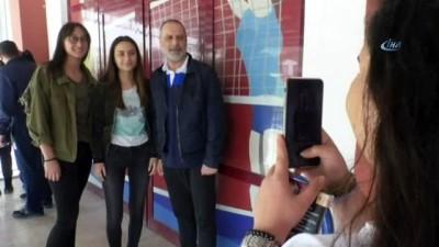 devre arasi -  Ünlü oyuncu Ozan Güven, Ece Önen'le ayrıldıkları iddialarına cevap verdi
