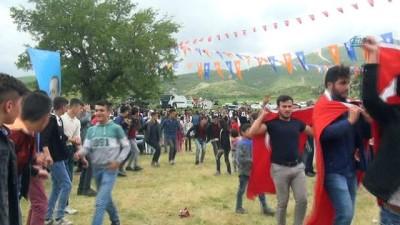 Bestler Dereler eteklerinde gençlik ve huzur festivali