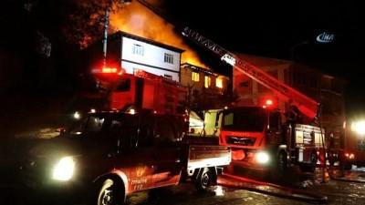 Doğalgaz patlaması sonucu çıkan yangında 7 ev alev alev yandı