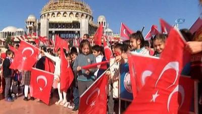 Taksim'deki 23 Nisan törenlerinde CHP'li Sezgin Tanrıkulu'na tepki