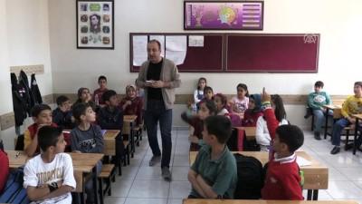 Gündüz öğretmen akşam yönetmen - BİNGÖL