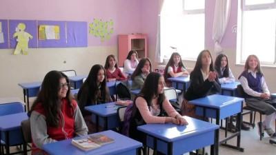 İlkokul öğrencilerine kuaför hizmeti - TOKAT