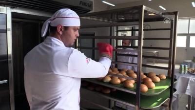 Okudukları üniversitenin ekmeğini üretiyorlar - ÇORUM