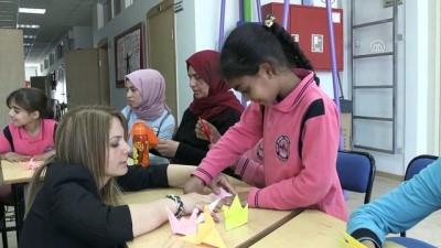 Sığınmacı çocuklar turna origamisine barış mesajı yazdı - SAMSUN