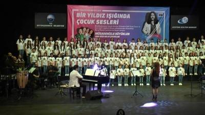 Çocuklar, 'Barış Abi'lerinin şarkılarını seslendirdi