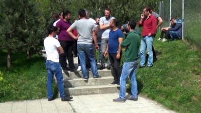 Bolu'da, karayolları taşeron işçileri iş bırakma eylemi yaptı