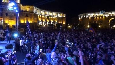 - Ermenistan'da Protestolar Devam Ediyor