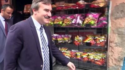 Siirtli çocuktan Belediye Başkan Vekili Taşkın'a gül demeti