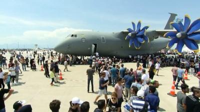 Antalya'da milyon dolarlık dev uçaklar gölgelik oldu