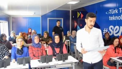 Türk Telekom, Korkutelili Kadınlara Teknoloji Eğitimi Verdi