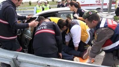 İki otomobil çarpıştı: 1 ölü, 5 yaralı - KIRKLARELİ