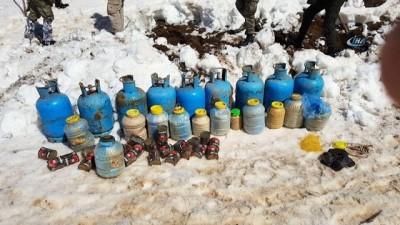 Erciş'te terör örgütüne ait 7 sığınak imha edildi