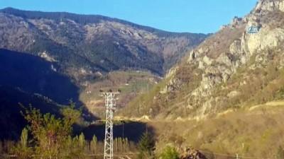 Gümüşhane'nin Kürtün ilçesi kırsalında terör örgütü mensupları ile çatışma: 2 asker yaralı