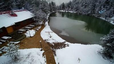 Limni Gölü'nde kar havadan görüntülendi