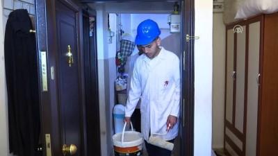 Liseliler yardıma muhtaç ailelerin evlerini onarıyor - İSTANBUL