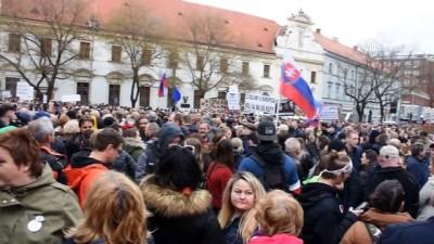Slovakya'da hükümet karşıtı gösteri - BRATİSLAVA