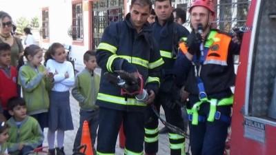 Deprem ve yangın tatbikatı gerçeğini aratmadı