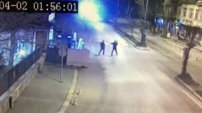 Polisler drift yapan sürücüyü yakalamak için kovaladı, önünü kesti... O anlar kamerada
