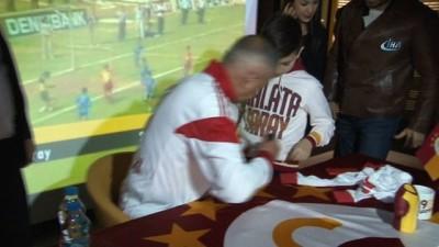 Cevad Prekazi, Galatasaraylı taraftarlarla buluştu