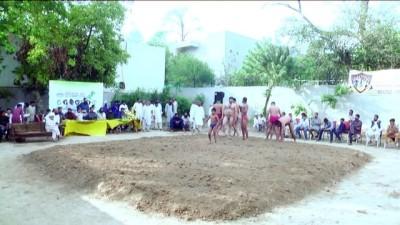 Pakistan'ın geleneksel kum güreşleri - RAWALPİNDİ