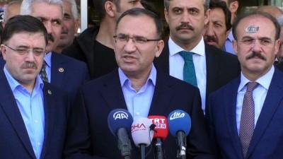 Bekir Bozdağ: 'Türkiye'de tutuklu bulunan Yunanistanlı askerler takas konusu değildir'