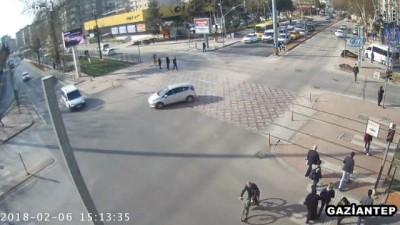 Gaziantep'teki kaza mobese kamerasına yansıdı