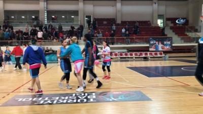 Yalova'da kadın basketbolcular kavga etti - Maç bitti parkede yumruklar konuştu - Sümeyya Özcan boyun, sırt ve yüzünden yara aldı