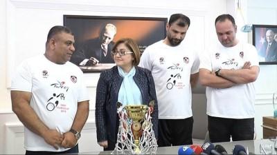 Avrupa şampiyonlarından Fatma Şahin'e ziyaret