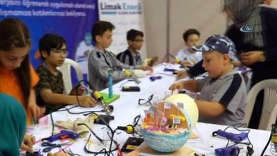 Çocuklar kendi yaptıkları robotlarıyla, yenilenebilir enerjiyi öğrendi