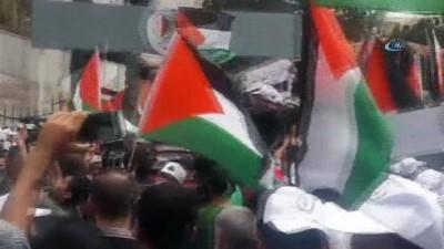 - Filistinli İşçiler 1 Mayıs'ta Gösteri Düzenledi