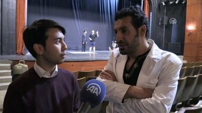 Filistinli tiyatrocular, İsrail işgalini sahnede anlatıyor - KONYA