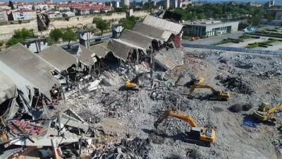 Abdi İpekçi Spor Salonu'nun yıkım çalışmaları havadan görüntülendi