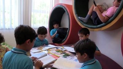 Anneler çocuklarıyla kitap okuyor - MUĞLA