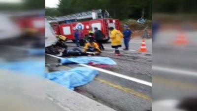 Antalya'da minibüs otel servisine arkadan çarptı: 3 ölü