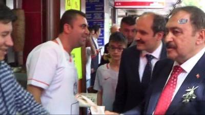 Bakan Eroğlu AK Parti Balıkesir İl Teşkilatı ile buluştu