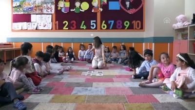 Minik öğrenciler güle oynaya İngilizce öğreniyor - ERZİNCAN