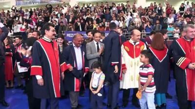 Üniversite diplomasını 61 yaşında oğlunun elinden aldı - AMASYA