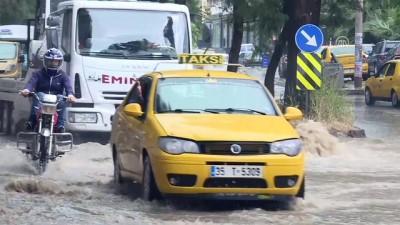 İzmir'de şiddetli yağış (2)