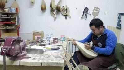 Astanalı usta 18 yıldır dombıra yapıyor - ASTANA