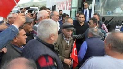 İnce kendisini izleyen mahkumlara seslendi: ' Merak etmeyin özgür bir Türkiye olacak yakında'