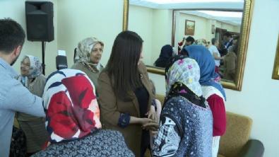 Bakan Sarıeroğlu'ndan 'Anneler Günü'ne özel ziyaret