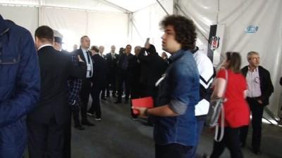 Mali kongre öncesinde kırmızı kart dağıtıldı