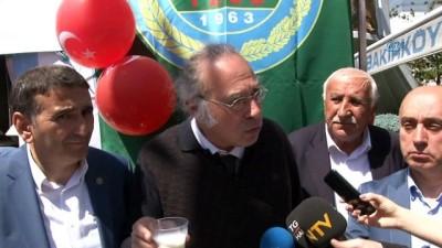 Bakırköy'de litrelerce çiğ süt vatandaşlara dağıtıldı