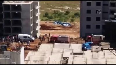 Kule vinç devrildi: 1 ölü, 1 yaralı - GAZİANTEP