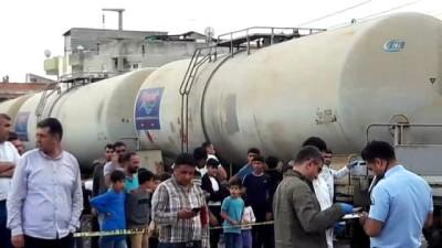 Diyarbakır'da tren otomobile çarptı: 1 ağır yaralı