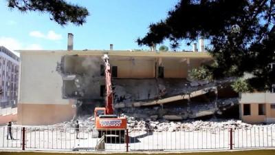 Havza'da depreme dayanıksız okul binası yıkıldı - SAMSUN