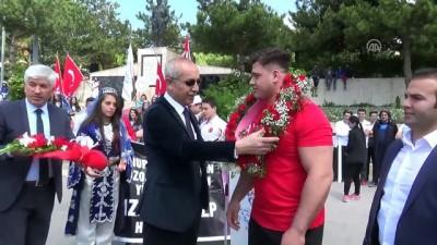Şampiyon güreşçiden Filistin'e destek - YOZGAT
