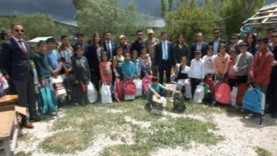 Kaymakam Kırlı'dan öğrencilere 'geçmiş olsun' ziyareti